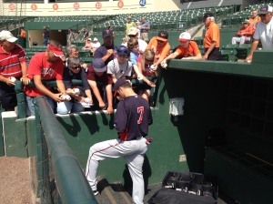 Joe Mauer signs autographs